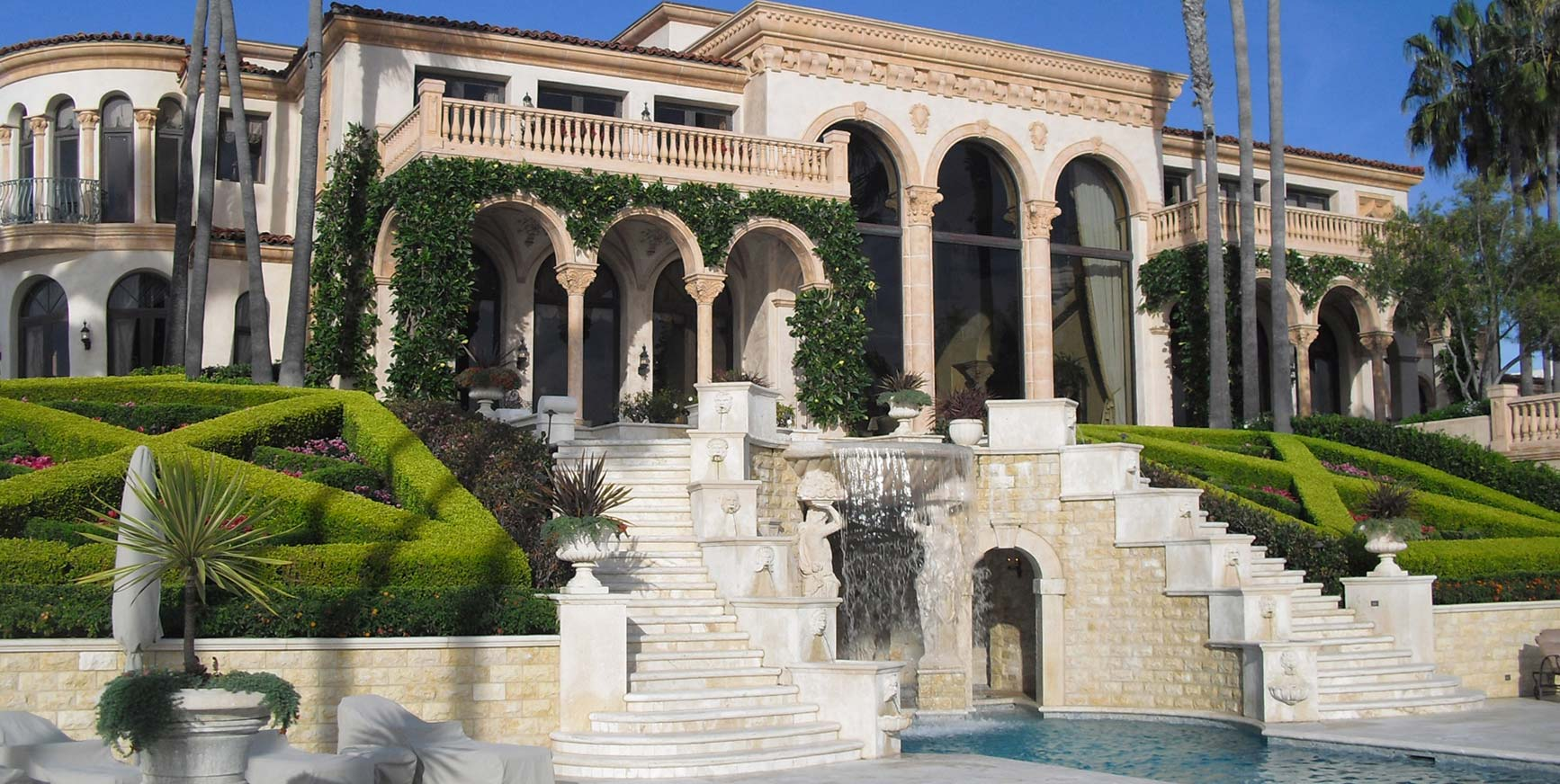 HISTORICALLY CORRECT PALM BEACH VILLA
